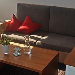 quadratisch-couch-rot